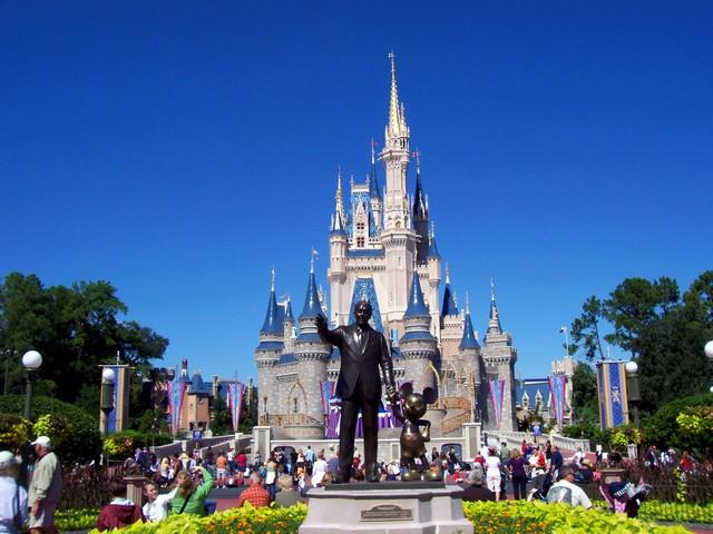 magic-kingdom-castle pic
